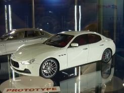 Top Marques Collectibles 1:18 Maserati Ghibli