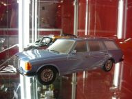 Mercedes Benz 250T W123 1:18 Kk Scale