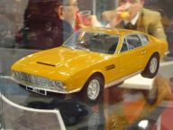 Aston Martin DBS 1968 1:18 Cult Scale Models