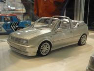 VW Golf III Cabrio 1:18 OttOmobile