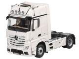 Mercedes Benz Actros FH 25 GigaSpace 2016 white 1:18 NZG