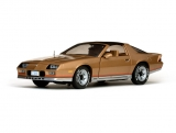 Chevrolet Camaro 1982 gold 1:18 Sun Star