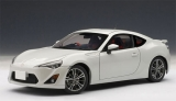 "Toyota GT 86 ""LIMITED"" 2012 white 1:18 AUTOart"