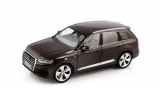 Audi Q7 2015 brown 1:18 Minichamps