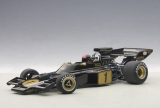 Lotus 72 E #1 Fittipaldi with driving figurine 1973 1:18 AUTOart