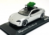 "Porsche Taycan Turbo S ""Christmas Edition 2020"" 1:43 Minichamps"