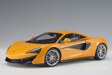 McLaren 570S orange/black 1:18 AUTOart