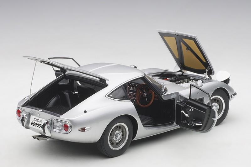 Silver 1965-nuevo Autoart 78752-1//18 composite toyota 2000 gt coupé