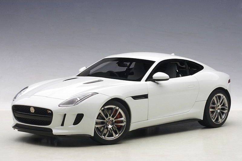 Jaguar F Type R Coupe 2015 white 1:18 AUTOart