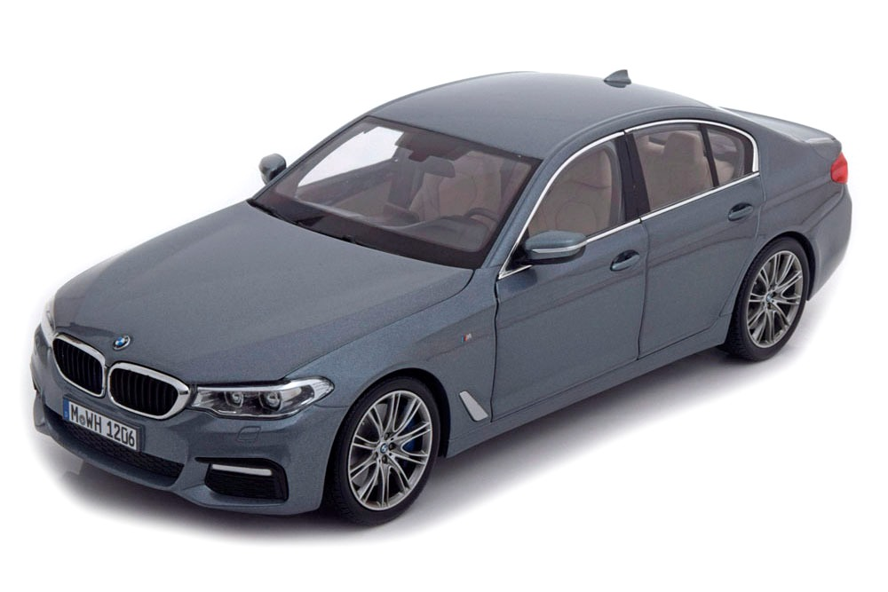 BMW 530i (G30) 2017 bluestone metallic 1:18 Kyosho