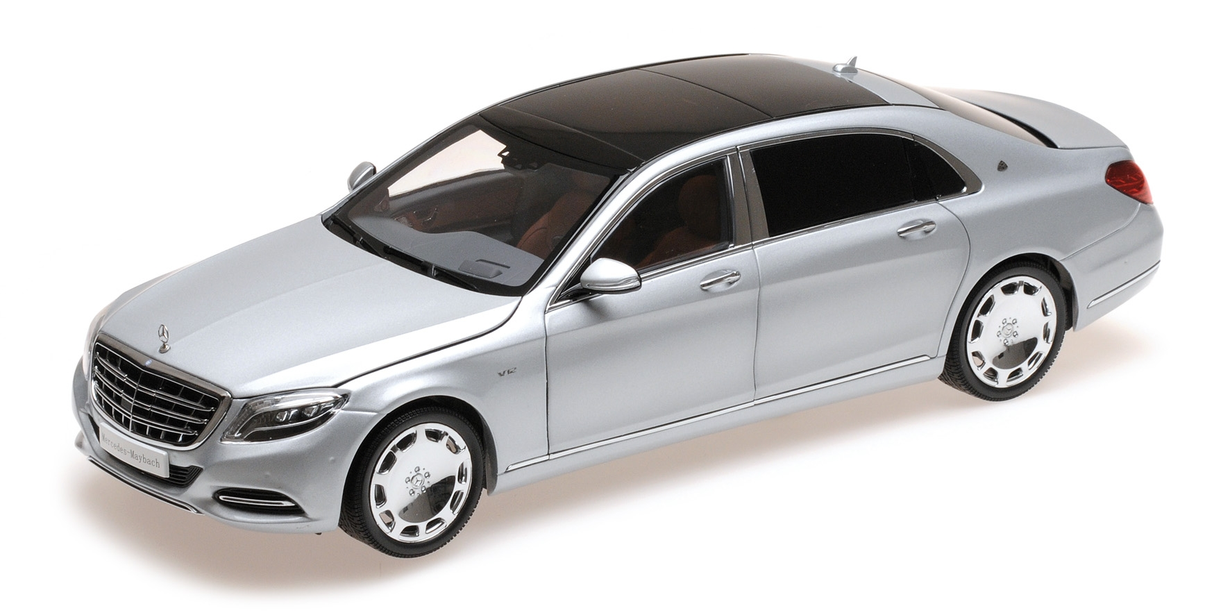 Mercedes-Maybach S-Class 2016 iridium silver 1:18 Almost Real