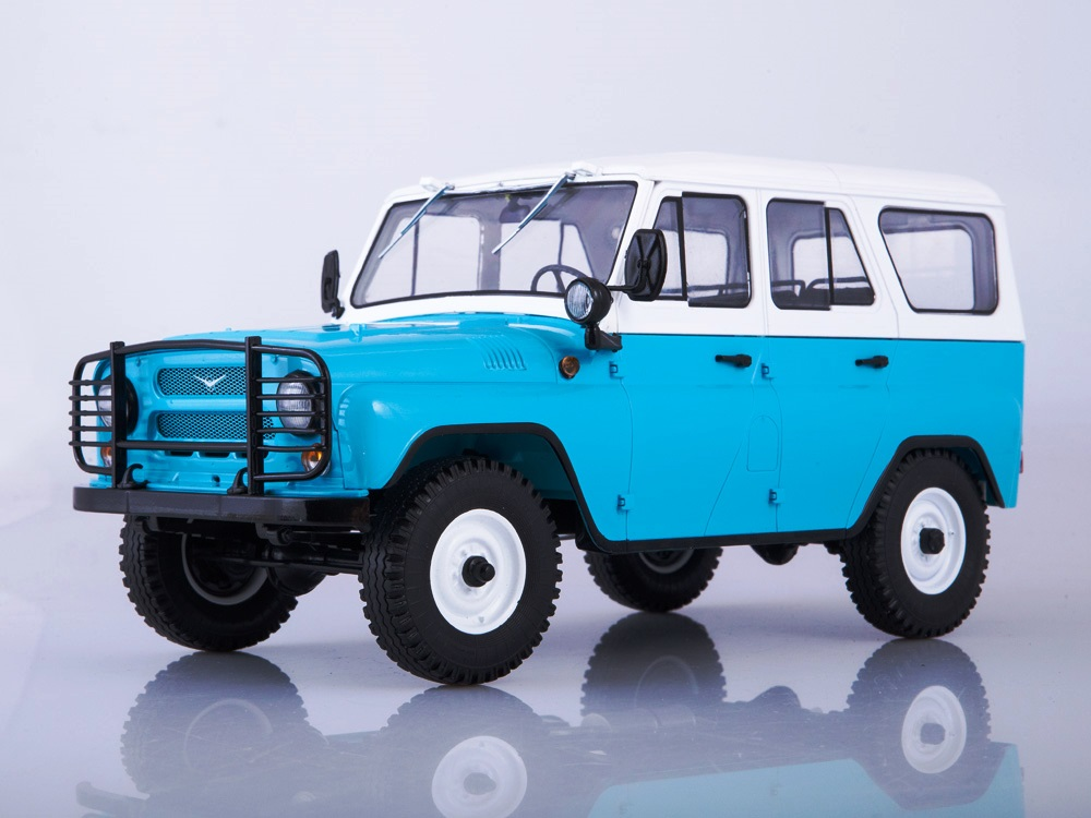 UAZ 31514 white/blue 1:18 SSM Start Scale Models
