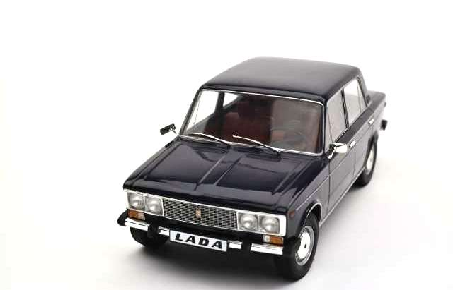 Lada 2106 1976 blue/red interior 1:18 Triple9 Collection