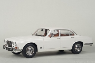 Jaguar XJ6 2.8ltr Series 1 (LHD) 1971 white 1:18 Paragon Models