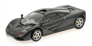 McLaren F1 road car 1993 black 1:18 Minichamps