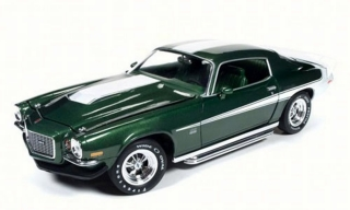 Chevrolet Camaro (Baldwin Motion) 1970 green/white 1:18 Auto World