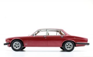 Jaguar XJ6 1982 red 1:18 LS Collectibles