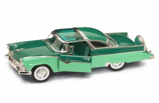 Ford Fairlane Crown Victoria 1955 green 1:18 Lucky Diecast