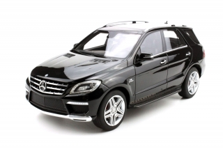 Mercedes-Benz ML63 AMG 2012 black 1:18 LS Collectibles