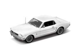 Ford Mustang Coupe 1964 1/2 white 1:18 Welly