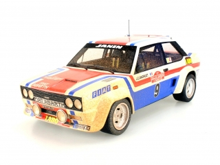 Fiat 131 Abarth #9 Winner San Remo 1977 dirty 1:18 Top Marques Collectibles