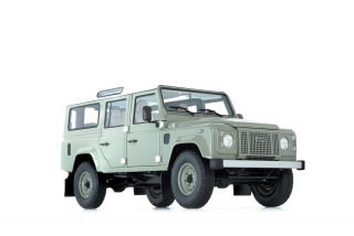 Land Rover Defender 110 Heritage Edition 2015 green 1:18 Almost Real