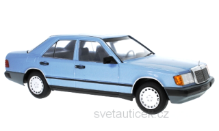 Mercedes 300 E (W124) 1984 blue metallic 1:18 MCG Modelcar Group