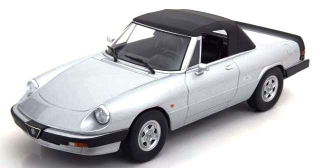 Alfa Romeo Duetto 3-Series EVO2 Spider Soft-top 1986 silver/black 1:18 KK Scale