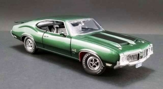 Oldsmobile 442 W30 1970 sherwood green with black stripes 1:18 Acme Diecast