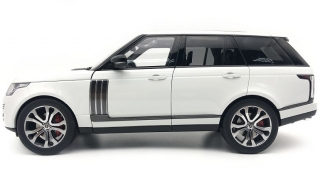 Land Rover Range SV Autobiography Dynamic 2017 white 1:18 LCD Model