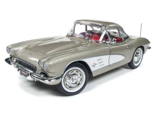 Chevrolet Corvette 1961 gold/white 1:18 Autoworld