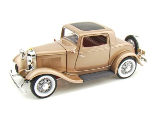 Ford 3 Window Coupe 1932 gold 1:18 Lucky Diecast