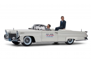 Lincoln Mark III Convertible*John F Kennedy* in Oregon 1958 1:18 Sun Star