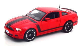 Ford Mustang Boss 302 Year 2013 red 1:18 Shelby Collectibles