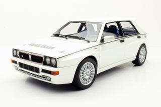 Lancia Delta Integrale EVO2 1994 white 1:18 LS Collectibles