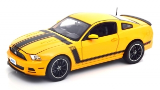 Ford Mustang Boss 302 Year 2013 yellow/black 1:18 Shelby Collectibles