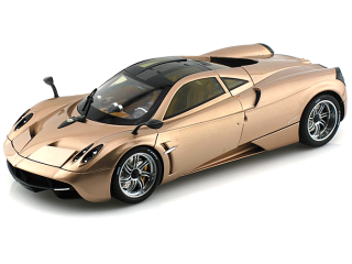 Pagani Huayra 2011 gold 1:18 Welly GTA