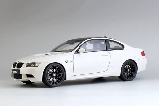 BMW M3 Coupe (E92M) 2013 white 1:18 Kyosho