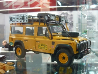 Land Rover Defender 110 Camel Trophy Edition yellow 1:18 Almost Real