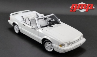 Ford Mustang LX Convertible 1993 white with white interior 1:18 G.M.P.