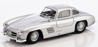 Mercedes-Benz 300 SL W198 (1954-1956) chrom 1:18 Minichamps