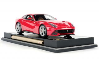 Ferrari F12 Berlinetta red 1:18 Amalgam