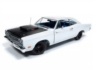 Plymouth Roadrunner Post Coupe (Hemmings Muscle) 1969 white 1:18 Auto World