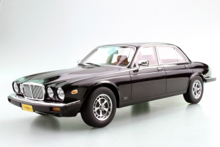 Jaguar XJ6 1982 black 1:18 LS Collectibles