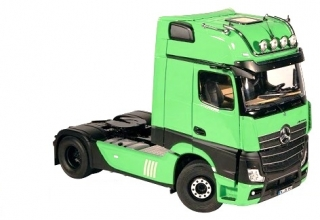 Mercedes-Benz ACTROS GigaSpace 4x2 facelift 2018 green 1:18 NZG