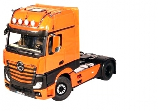 Mercedes-Benz ACTROS GigaSpace 4x2 facelift 2018 orange 1:18 NZG