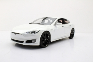 Tesla Model S 2016 white 1:18 LS Collectibles