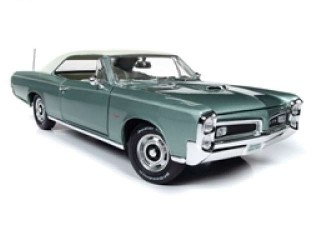 Pontiac GTP Hardtop 1966 plametto green 1:18 Auto World