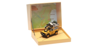 Land Rover Defender 90 Camel Trophy Edition yellow 1:43 Almost Real