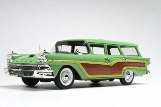 Ford USA Country Squire Station Wagon 1958 seaspray green/wood 1:43 Goldvarg Collection